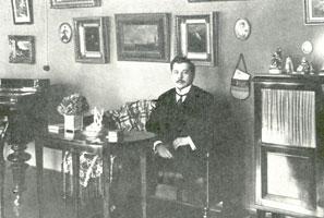К. Сомов в интерьере (1900 гг.)
